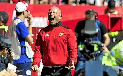 Sampaoli, durante el partido frente al Sporting.
