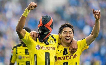 Aubameyang con la máscara que ha desatado la polémica.