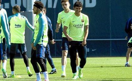 En la imagen, Neymar junto al joven Carles Aleñá, que ha sido llamado de nuevo por Lucho.