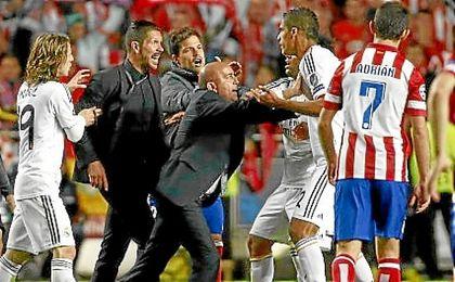 El Bernabéu acogerá el derbi madrileño.