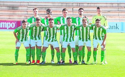 Once del Betis B que se enfrentó al Algeciras.