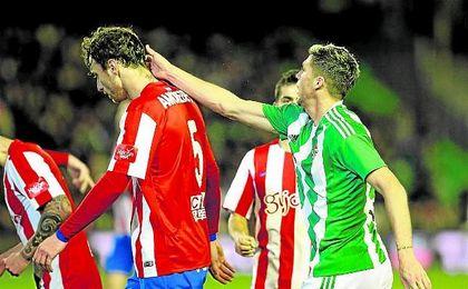 El Betis visitará en la última jornada a un Sporting con el que igualó a cero en el Villamarín.
