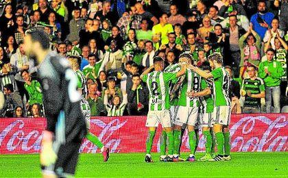 El conjunto verdiblanco ha celebrado al menos un gol en 22 de las 32 jornadas disputadas.