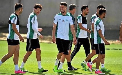 Víctor ha citado a 20 futbolistas.