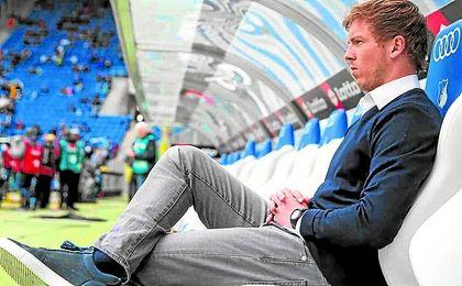 Nagelsmann (23-07-87) abandonó el fútbol a los 20 años y comenzó una meteórica carrera como técnico.