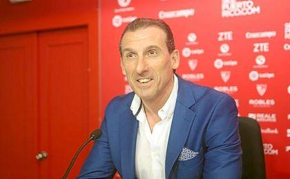 Óscar Arias, en su presentación como director deportivo del Sevilla.