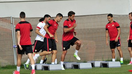 Nasri regresa al grupo y Vitolo sigue al margen