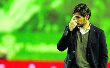 El futuro de Víctor Sánchez del Amo en el banquillo verdiblanco continúa en el aire.