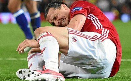 Ibrahimovic pasa con éxito por el quirófano y empieza la rehabilitación