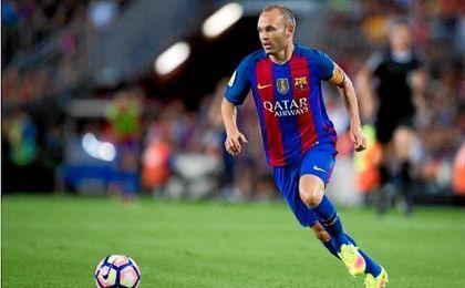 Iniesta podrá jugar ante el Villarreal si así lo considera Luis Enrique.