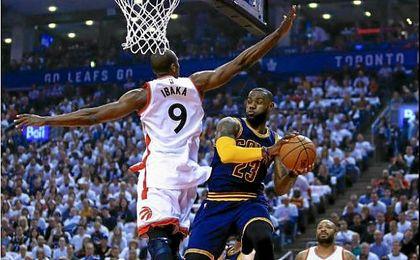 Los Cavaliers alcanzan las finales; Wizards y Rockets empatan sus series