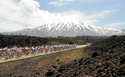 El Etna espera la erupción de los favoritos