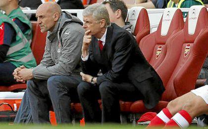 Wenger aún tiene que decidir si renueva o no.