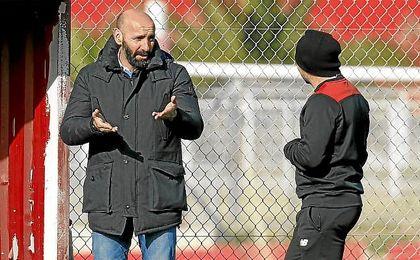 Monchi, junto con Sampaoli en la ciudad deportiva.
