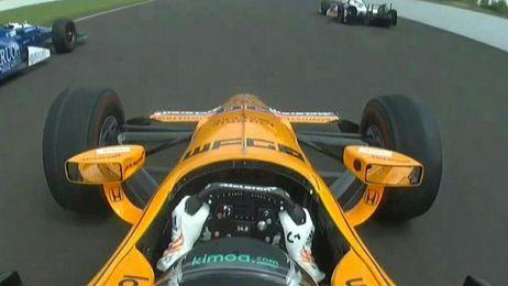Alonso ha roto el motor.