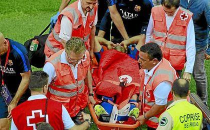 Mascherano se marchó lesionado en la final de Copa.