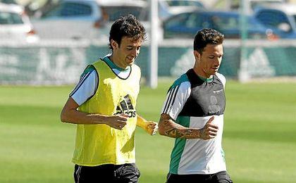 Rubén Pardo, en un entrenamiento junto a Rubén Castro.
