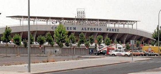 En desacuerdo con las intenciones de cambiar el nombre al estadio.