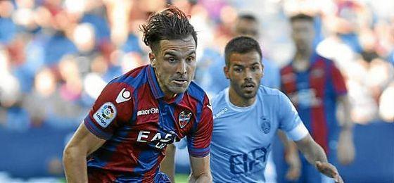 Toño García, en un partido con el Levante.