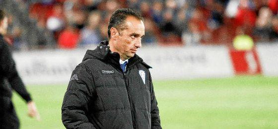 José Luis Oltra es el nuevo entrenador del Granada.
