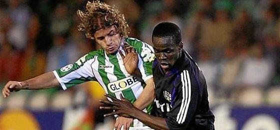 Imagen del debut de Tioté, pugnando en la imagen con Rivera.