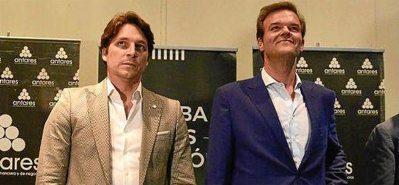 Adrián Fernández, junto a Rafael Salas.