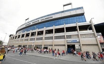 El Calderón sigue respirando fútbol.