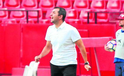 Diego Martínez dice adiós al Sevilla tras ocho temporadas en el club sevillano.
