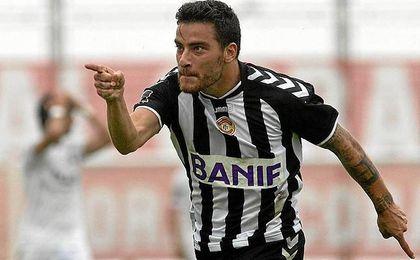 Agra ha firmado con el Benfica, pero jugará en otro equipo.