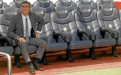 Valverde, en el banquillo local del Camp Nou.