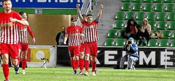 Ximo Navarro cambia el Almería por Las Palmas.