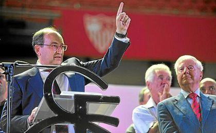 Castro ha defendido el sistema de la huella digital para acceder al estadio.