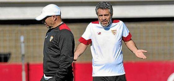 Lillo, junto a Sampaoli durante esta pasada temporada en Sevilla.