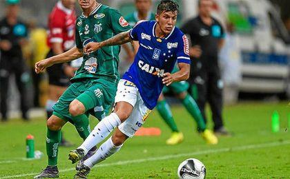 Lucas Romero, con la camiseta del Cruzeiro.