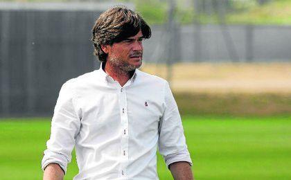 Agustín López, técnico del DH, podría pasar a los despachos.