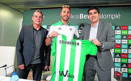 El Betis pagará siete millones por el 80% del pase del centrocampista Víctor Camarasa.