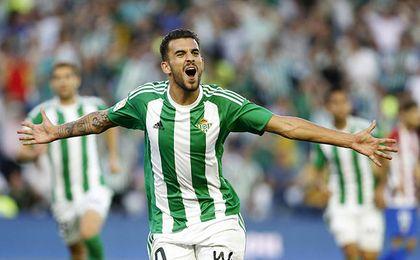 Ceballos, celebrando el gol que anotó este curso ante el Atlético en el Benito Villamarín.