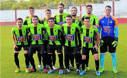 Formación del Coronil que se enfrentó al Atlético Sanlúcar la pasada temporada.