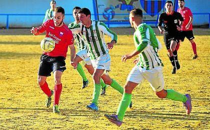 Alejandro Pérula, que la pasada campaña firmó 14 tantos en el Ibarburu, refuerza el ataque de La Liara