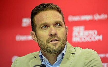 Luis García Tevenet trata de inculcar sus conceptos al Sevilla Atlético.