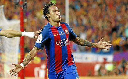 Neymar celebra un gol con el Barcelona.