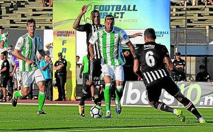 Víctor Camarasa es uno de los fichajes más caros del Real Betis en este mercado.