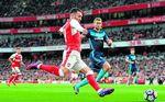 """El Arsenal """"abre la puerta"""" de salida a Lucas Pérez"""