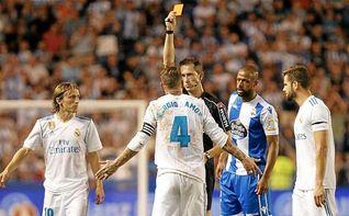 Ramos iguala a Alfaro y Aguado como el jugador más expulsado en Liga