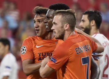 El Sevilla pierde 0-1 al descanso ante el Estambul Basaksehir