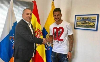 Vitolo, junto al presidente de Las Palmas, Miguel Ángel Ramírez