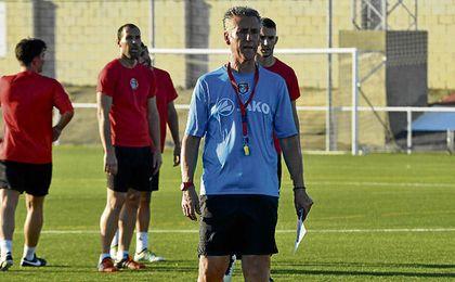 Alejandro Ceballos ha llegado este verano al José Juan Romero Gil.