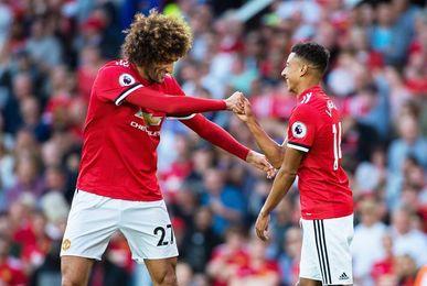 Rashford y Fellaini alargan la racha del Manchester United