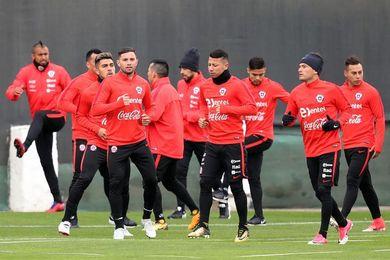 Con 24 jugadores Chile inicia su preparación para los partidos eliminatorios