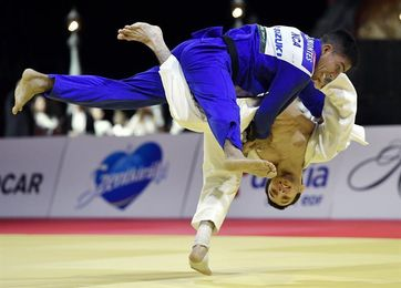 Japón domina la primera jornada, con oros de Takato y Tonaki